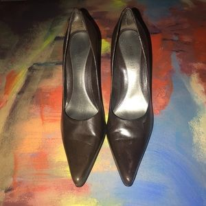 5/25 Nine West Pointed Toe Pumps